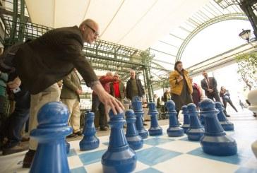 Пациенти с Паркинсон играха шах по повод Световния ден за борба с болестта